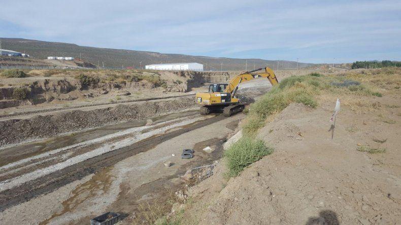 Provincia ejecuta obras de contención en el Arroyo La Mata