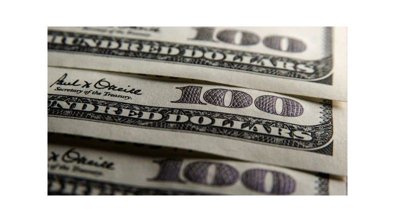 El dólar se estabiliza: sube dos centavos a $ 22,30