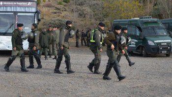 La masiva llegada de gendarmes a Río Turbio, a pocos días del arribo del ministro de Energía, Juan José Aranguren, reactivó el clima de extrema tensión social.