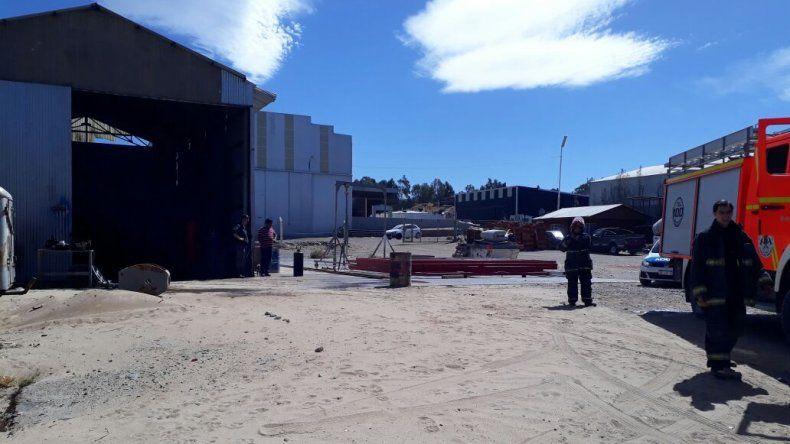 Bomberos sofocaron un principio de incendio en el barrio Industrial