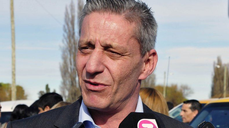 Arcioni suspendió sus actividades debido al fallecimiento de su madre