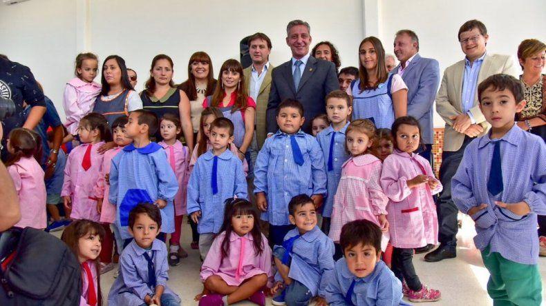 Arcioni inauguró el ciclo lectivo 2018 en la Escuela de Nivel Inicial N° 4402
