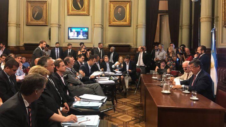 Hoy vuelve a reunirse la Comisión de Trámite Legislativo del Congreso para debatir los DNU de Macri.