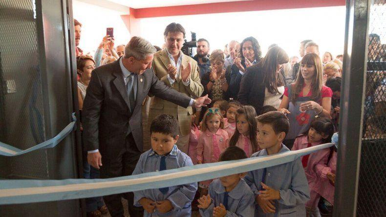 El gobernador Mariano Arcioni inauguró el ciclo lectivo en Rada Tilly.