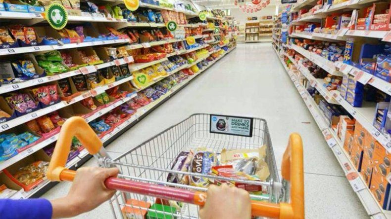 Familia de clase media destina 80% del sueldo para pagar gastos fijos
