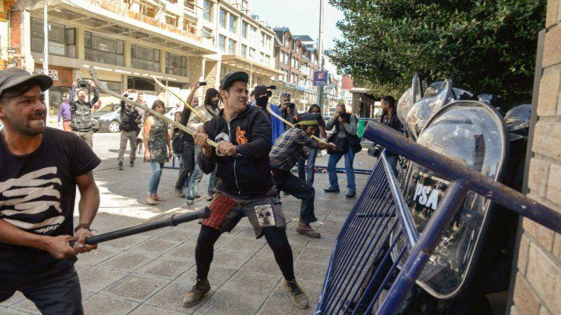 Incidentes en Bariloche luego de que resolvieran la extraditar a Jones Huala