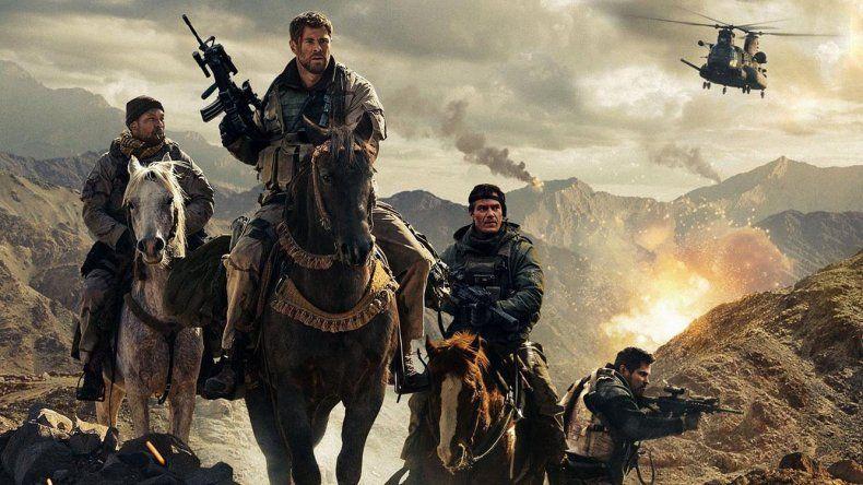 Soldados de a pie tuvieron que aprender a pelear a caballo en tierra hostil en la historia que cuenta Tropa de héroes.