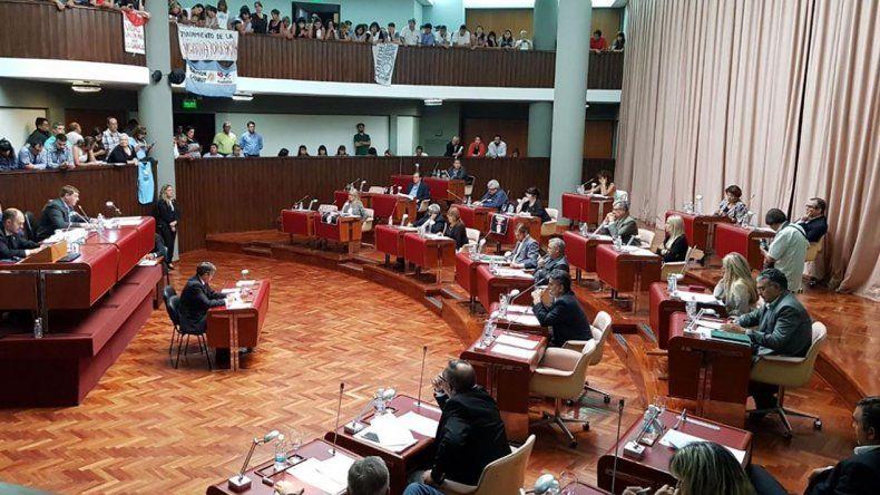 Finalmente hubo quórum para tratar el Pacto Fiscal y el mismo se aprobó con 14 votos positivos.