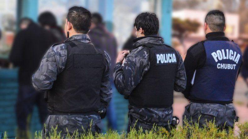 Los policías se quejan por los recargos de servicios