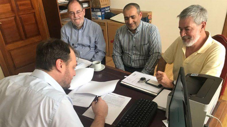 La UNPSJB firmó convenio para avanzar con el Museo Paleontológico en Sarmiento