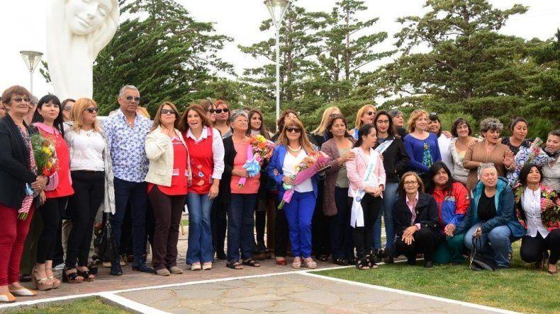 El acto alusivo al Día Internacional de la Mujer organizado por la comisión de fomento de Cañadón Seco contó con la presencia de referentes del género.