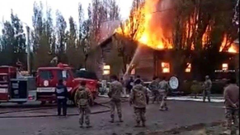 El incendio que se produjo en la guarnición del Ejército destruyó el salón donde se alojaba el personal de la banda de música y que también era utilizado como sala de ensayo.