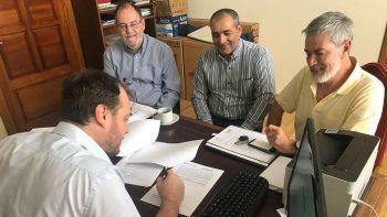 Autoridades firmaron un acuerdo para avanzar en la concreción del Museo Paleontológico de Sarmiento.