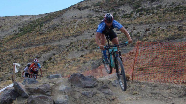 El Argentino de mountain bike arrancó ayer con los entrenamientos en el circuito de El Infiernillo.