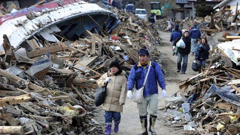 El terremoto seguido de tsunami del 11 de marzo de 2011 arrasó poblaciones enteras en el norte de Japón.