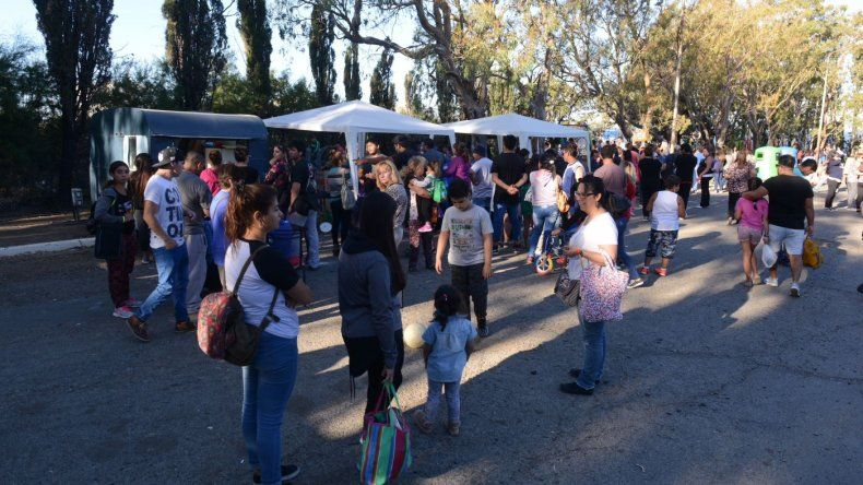 Así se vivió la Feria de Productores en el Parque Huergo