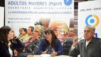 Susana Alvarez, Lidia Córdoba y Julio Rivas presentaron el programa destinado a los adultos mayores.