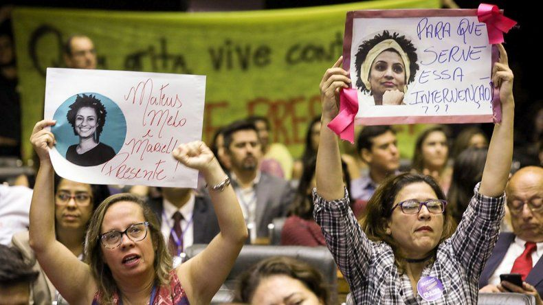 Las manifestaciones para repudiar el asesinato de la concejal de Río de Janeiro se sucedieron ayer en diversas ciudades de Brasil.