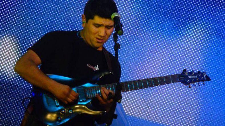 Gabriel Chávez es el comodorense que compite para llegar a la Gran final del GuitarFest Argentina.