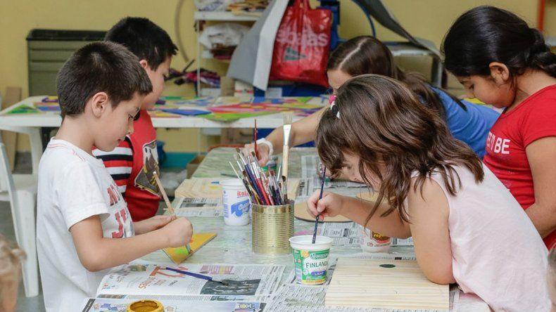 Once cursos para chicos y grandes propone el Taller de Arte de Rada Tilly.