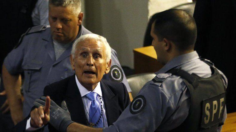 El genocida Etchecolatz deberá regresar a la cárcel a cumplir su condena