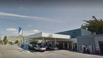 le robaron el dinero a un playero de una estacion de servicio en kilometro 5