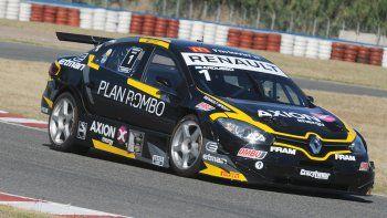 El Renault Fluence de Facundo Ardusso que ayer se quedó con la carrera clasificatoria del Super TC2000 que se disputó en Buenos Aires.