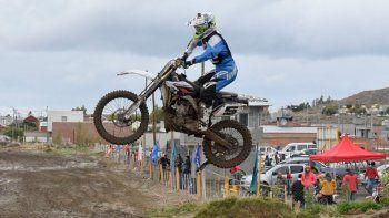 El motocross abre su calendario en Rada Tilly con la presencia de ocho categorías.