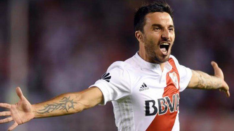 Ignacio Scocco podría volver esta noche a la titularidad en caso de que no llegue en condiciones Rodrigo Mora.