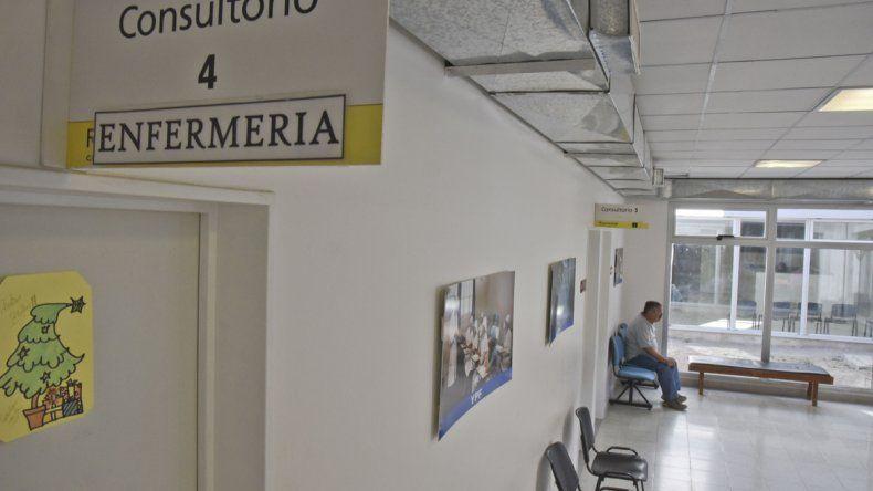 Otros sectores del Hospital Alvear evalúan sumarse a la retención de servicios que iniciaron los cirujanos.
