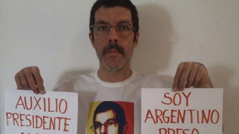 Un preso político argentino se escapó de Venezuela con su familia