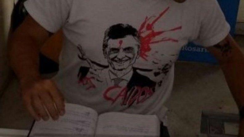 Sea un héroe, mate un chorro: los carteles que incitan a asesinar a Macri