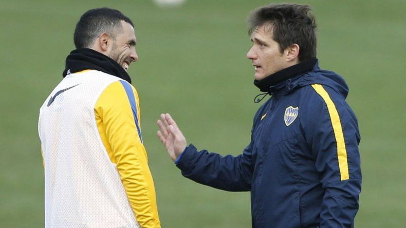 Tevez le dijo a Angelici a quién quiere para reemplazar a Barros Schelotto