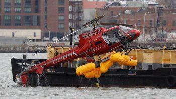 tras la muerte de la argentina, prohiben los vuelos de helicopteros sin puertas