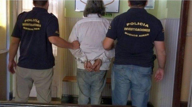 Detuvieron a un hombre y a su hijo por violar varias veces a sus hijas y hermanas