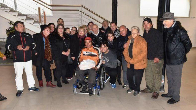 Carlos Gándara hizo 1300 km en un triciclo adaptado para abrazar a su hijo