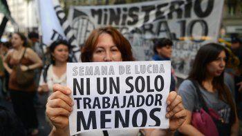 En febrero de este año hubo 5.608 despidos y suspensiones, según el Centro de Economía Política Argentina.