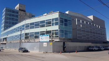 El Sindicato de Petroleros Jerárquicos concluyó la estructura básica de la fachada y el revestimiento sobre el concreto del Centro de Actividades.