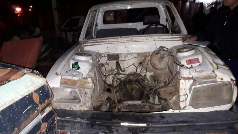 Secuestraron un auto y dos chasis