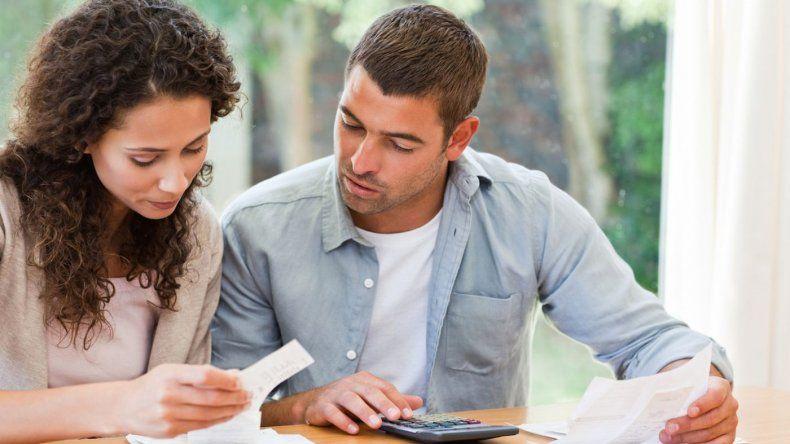 La mayoría de los lectores gasta más dinero en servicios y comestibles