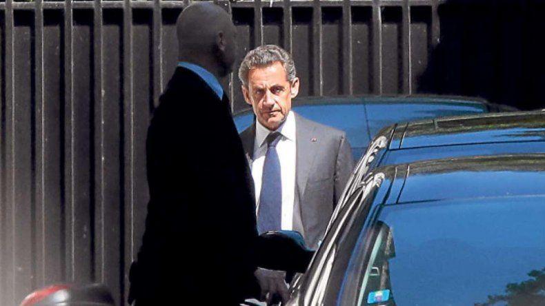 Nicolas Sarkozy quedó judicialmente muy complicado por aportes indebidos para la financiación de su campaña electoral.