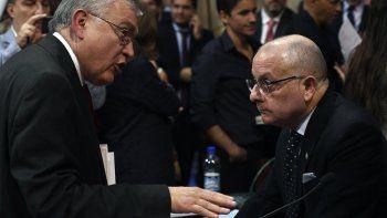 Mario Pais y el canciller Faurie, ayer en el Senado.