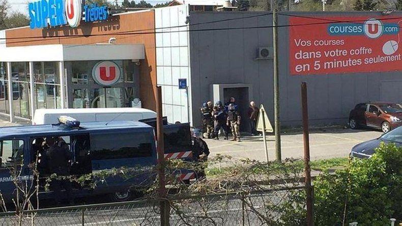 Ataque terrorista: dos muertos en toma de rehenes en un súper