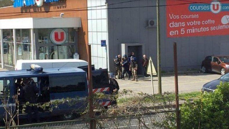Un terrorista mató a tres personas en el sur de Francia antes de ser abatido