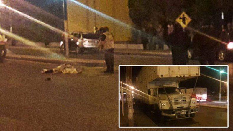 Camionero atropelló y mató a una mujer