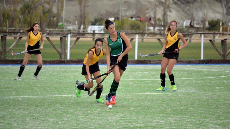 Náutico Rada Tilly goleó 6-1 a Santa Lucía y se convirtió en el único líder del torneo Apertura de césped en la categoría Primera Damas.