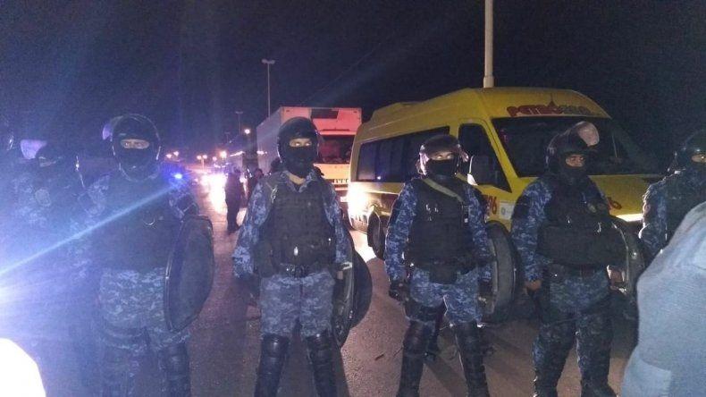 Ante la presencia de la policía provincial y Gendarmería hubo tensión en la Ruta