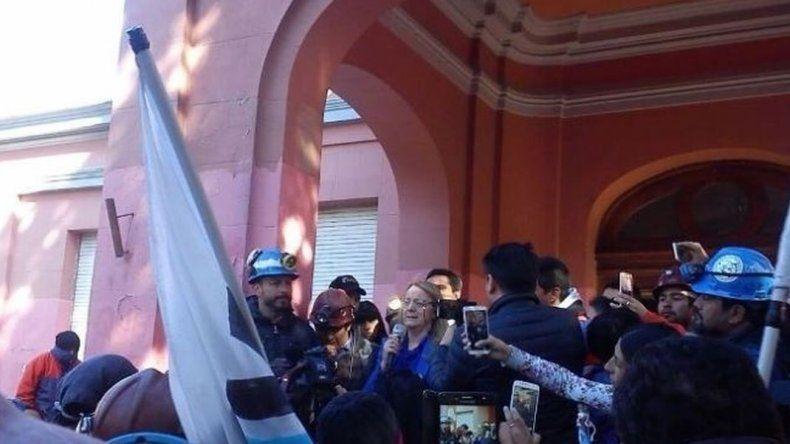 Tras una marcha de protesta, los mineros fueron recibidos por Alicia
