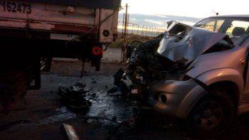 Conductor alcoholizado impactó su camioneta contra un camión