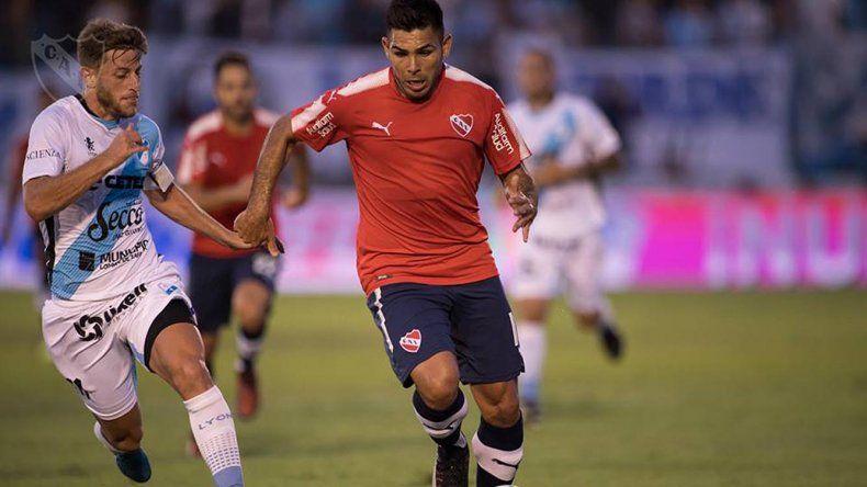 Silvio Romero será uno de los tres delanteros que tendrá esta noche Independiente cuando reciba a Atlético Tucumán.